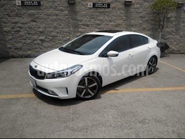 Kia Forte 4P SX TA A/AC. AUT. PIEL QC CAMARA REVERSA F. NIE usado (2018) color Blanco precio $239,000