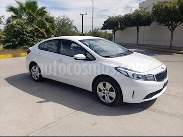 Kia Forte L Aut usado (2018) color Blanco precio $179,000