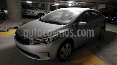 Kia Forte L Aut usado (2018) color Plata precio $175,000