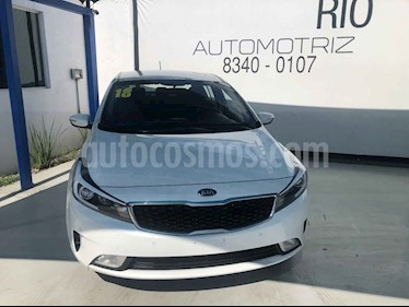 Kia Forte HB EX usado (2018) color Blanco precio $235,000