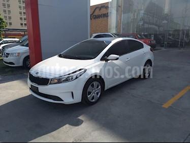 Kia Forte L usado (2018) color Blanco precio $208,900