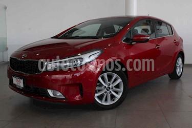 Kia Forte HB EX usado (2017) color Rojo precio $235,000