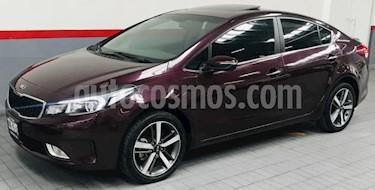 foto Kia Forte 5p SX L4/2.0 Aut usado (2017) color Negro precio $248,000