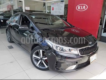 Kia Forte SX Aut usado (2018) color Negro precio $240,000