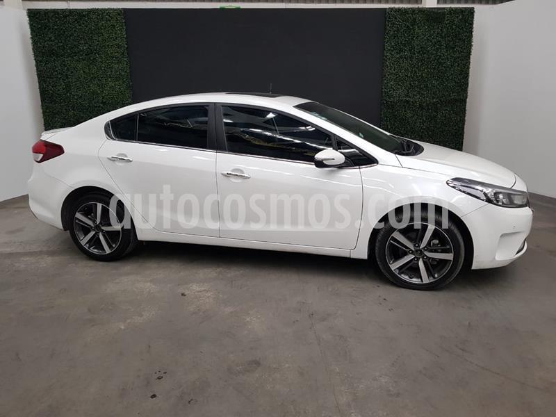 Kia Forte SX Aut usado (2018) color Blanco precio $264,999