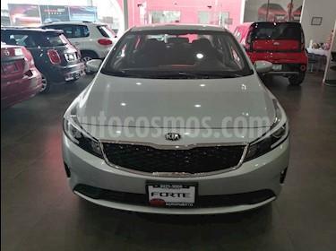 Kia Forte L usado (2018) color Plata precio $219,000