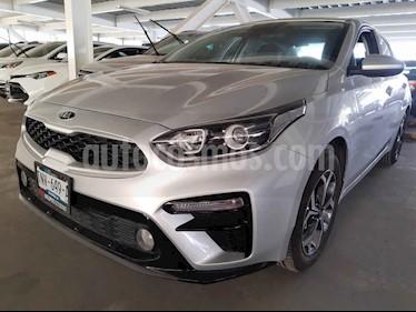Kia Forte LX Aut usado (2020) color Plata precio $265,000