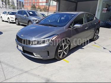 Kia Forte SX Aut usado (2018) color Gris precio $280,000
