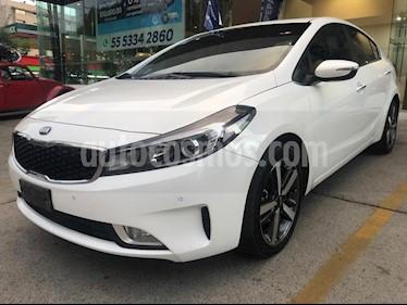 Kia Forte SX Aut usado (2018) color Blanco precio $265,000