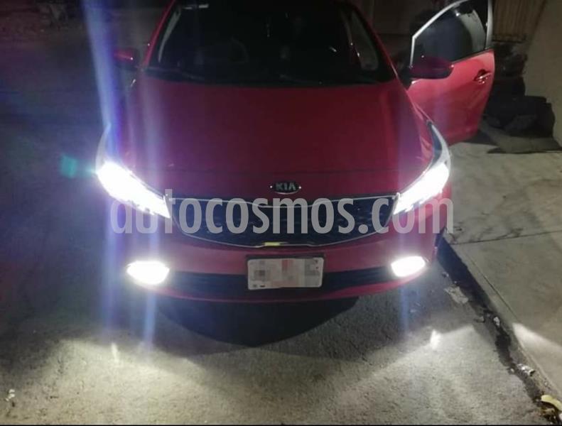 Kia Forte LX usado (2018) color Rojo precio $200,000