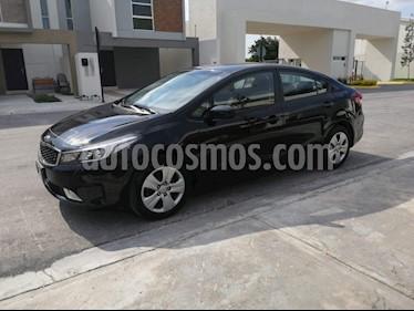 Kia Forte LX Aut usado (2018) color Negro precio $210,000