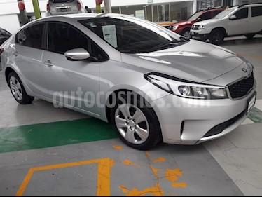 Kia Forte EX usado (2018) color Plata precio $214,000