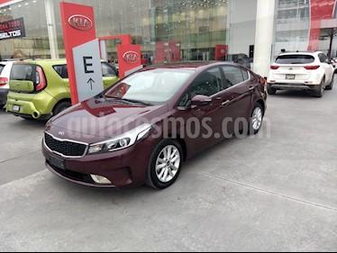 Kia Forte EX usado (2017) color Rojo precio $229,900