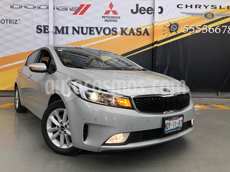 Kia Forte HB EX usado (2018) color Plata Dorado precio $229,000