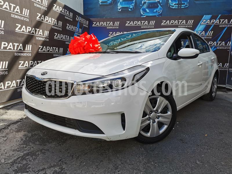 Foto Kia Forte EX usado (2018) color Blanco precio $215,000