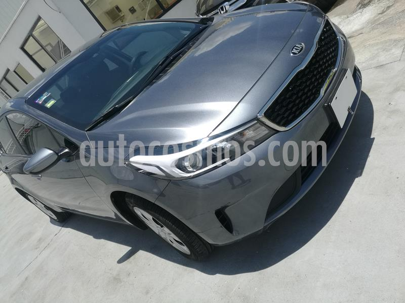 Kia Forte L usado (2018) color Gris precio $170,000