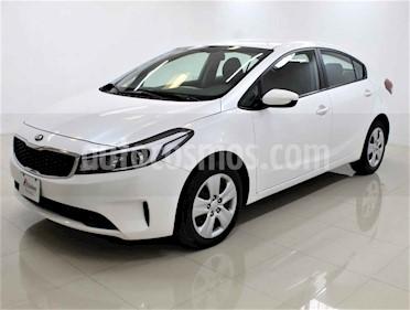 Kia Forte L Aut usado (2018) color Blanco precio $188,000
