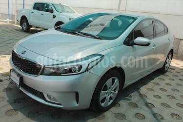 Kia Forte EX usado (2017) color Plata precio $198,000