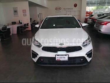 Kia Forte EX Aut usado (2019) color Blanco precio $315,000