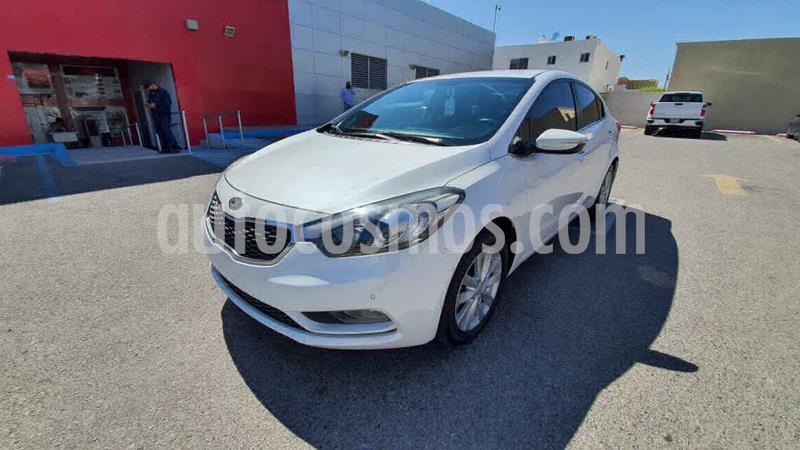 Kia Forte EX Aut usado (2016) color Blanco precio $200,000