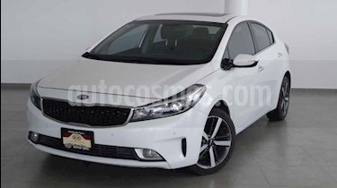Kia Forte SX Aut usado (2018) color Blanco precio $308,000