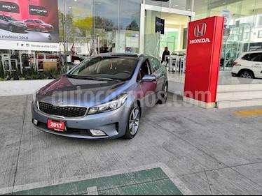 Foto venta Auto usado Kia Forte SX Aut (2017) color Gris Metalico precio $267,900