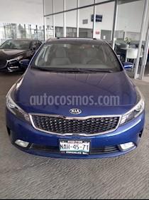 Foto venta Auto usado Kia Forte SX Aut (2017) color Azul precio $245,000