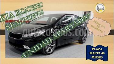 Foto venta Auto usado Kia Forte SX Aut (2018) color Negro precio $323,000