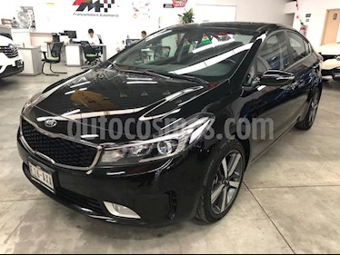 Foto venta Auto usado Kia Forte SX Aut (2018) color Negro precio $279,000