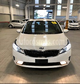 Foto venta Auto usado Kia Forte SX Aut (2018) color Blanco precio $339,000