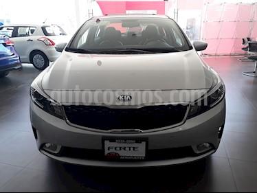 Foto venta Auto Seminuevo Kia Forte SX Aut (2018) color Plata