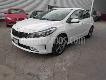 Foto venta Auto usado Kia Forte SX Aut (2017) color Blanco precio $300,000