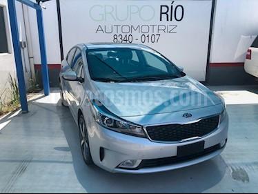 Foto venta Auto usado Kia Forte SX Aut (2018) color Plata precio $263,000