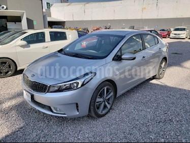 Foto venta Auto usado Kia Forte SX Aut (2017) color Plata precio $289,000