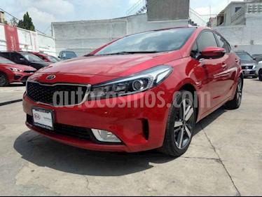 Foto venta Auto usado Kia Forte SX Aut (2017) color Rojo precio $255,000