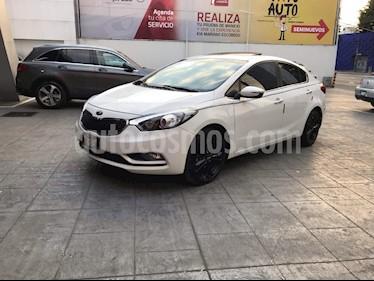 Foto venta Auto Seminuevo Kia Forte SX Aut (2016) color Blanco precio $227,000