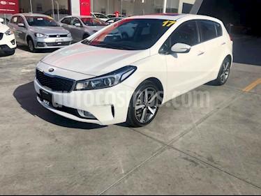 Foto venta Auto usado Kia Forte SX Aut (2017) color Blanco precio $248,000