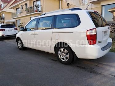 Kia Grand Carnival 2.2L EX DSL Aut Full usado (2011) color Blanco precio $6.900.000