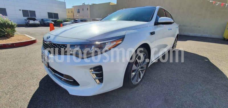 Kia Optima 2.0L Turbo GDI SXL usado (2017) color Blanco precio $370,000