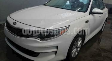 Kia Optima 2.4L GDI LX usado (2017) color Blanco Perla precio $229,000