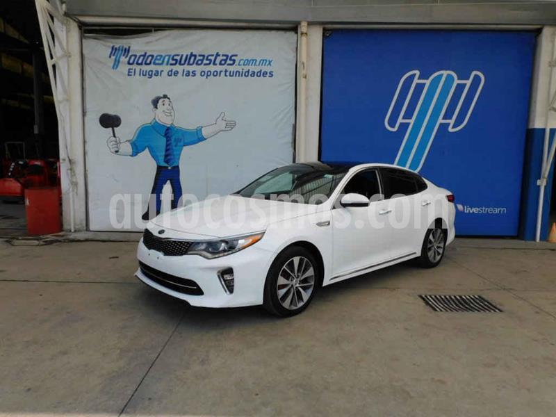 Kia Optima 2.0L Turbo GDI SXL usado (2018) color Blanco precio $277,000