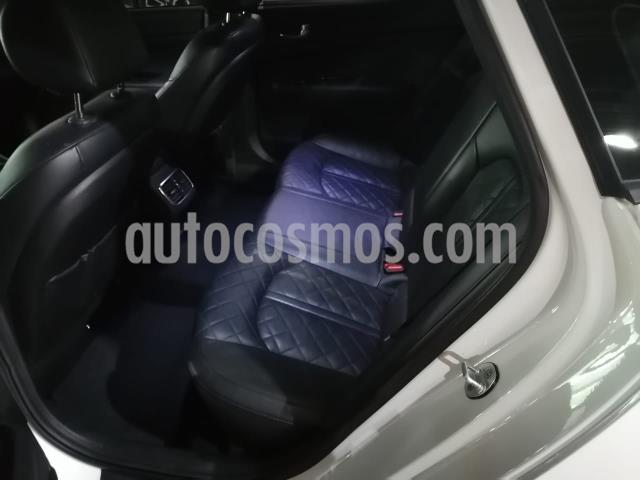 Kia Optima 4P SXL 2.0T TA A/AC. AUT. PIEL QCP GPS HARMAN KAR usado (2017) color Blanco precio $305,000