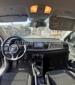 Kia Rio 4 C 1.4L LX AC ABS usado (2019) color Plata precio $7.390.000