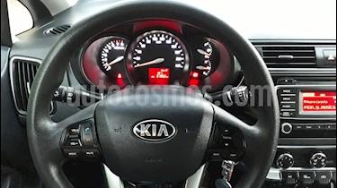 Kia Rio 4 1.4L EX DAB Ac usado (2017) color Blanco precio $7.300.000