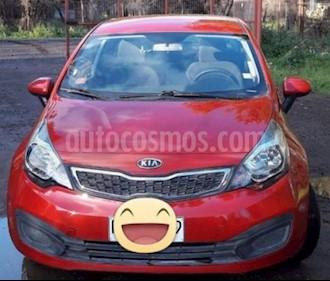Foto Kia Rio 4 1.4L EX DAB usado (2013) color Rojo precio $5.200.000