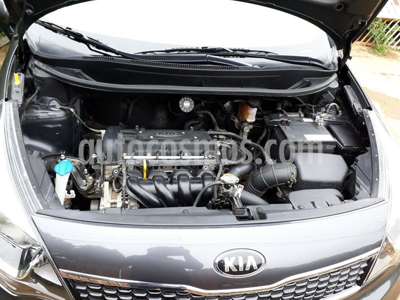 Kia Rio 4 1.4L EX DAB usado (2016) color Gris precio $6.500.000