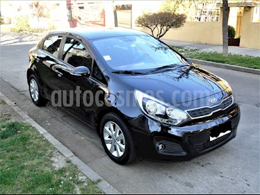 Kia Rio 5  1.4L EX  usado (2012) color Negro precio $5.500.000