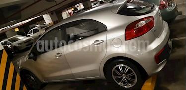 Foto venta Auto Usado KIA Rio Hatchback 1.4L LX Full (2015) color Plata precio u$s11,300