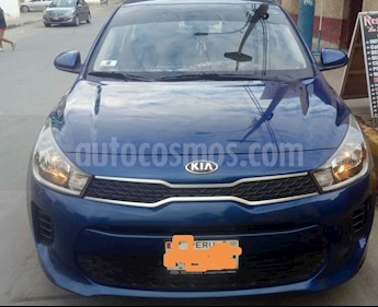 Foto venta Auto usado KIA Rio Hatchback 1.4L LX Full (2017) color Azul precio u$s12,500