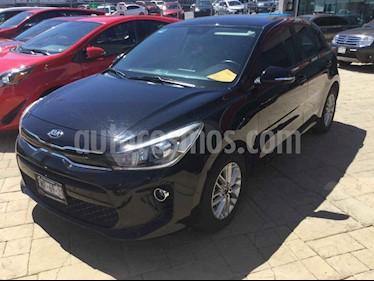 Foto venta Auto usado Kia Rio Hatchback EX Aut (2018) color Negro precio $238,000
